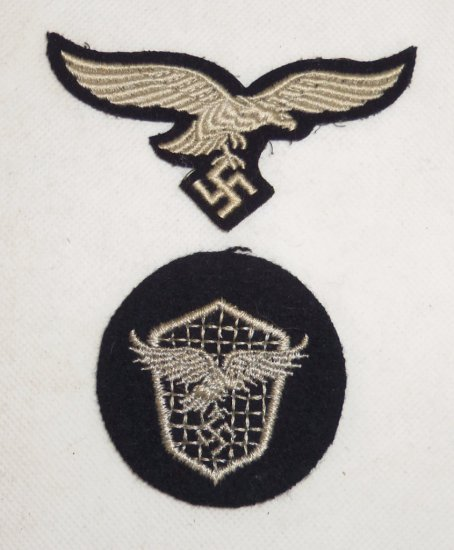 2 pcs. WW2 Luftwaffe Insignia - Hermann Goring Division