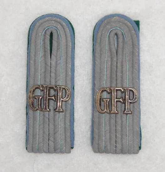 Rare Matching Pair of Officer's Geheime Feld Polizei Shoulder Boards