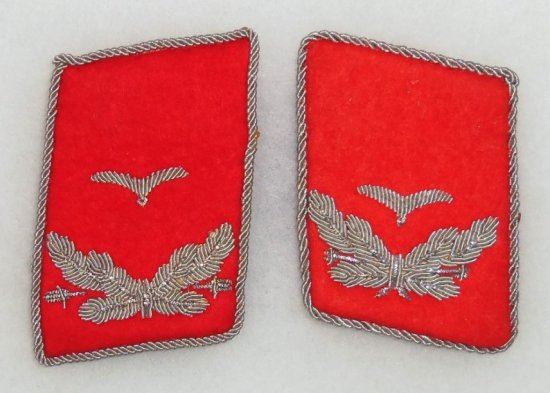 Pair Luftwaffe Flak Leutnant Collar Tabs