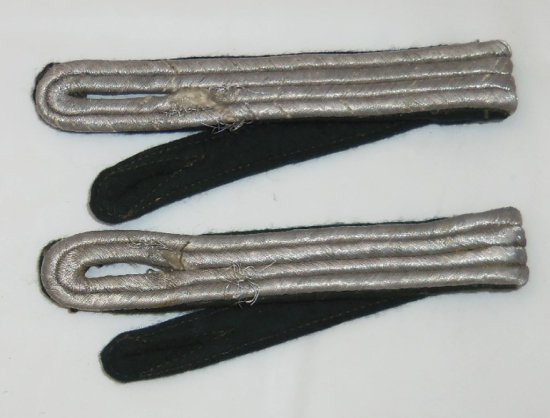 Pair of WW2 Kriegsmarine Fahnrich Shoulder Boards