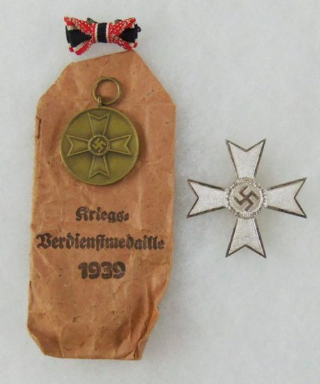 4 pcs. WWII German War Merit Cross w/o Swords/War Merit Medal w/Issue Packet/Ribbon Lapel Pin