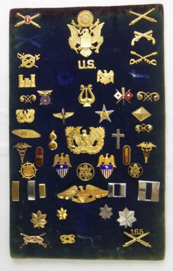 44 pcs. Misc. US Officer Insignia
