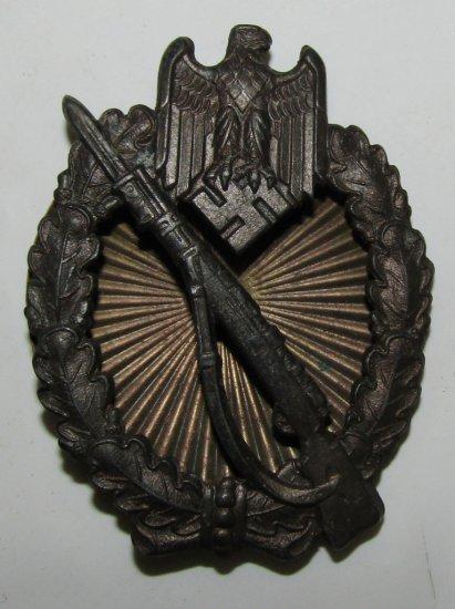 WW2 German Infantry Assault Badge In Bronze With Screw Back-Scarce Maker