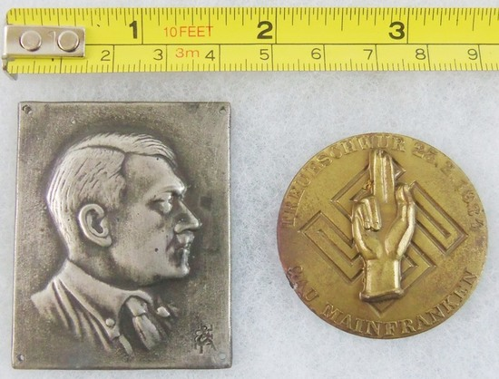 2pcs-Miniature Metal Hitler Bust Plaque-1934 Gau Mainfranken Political Leaders Badge