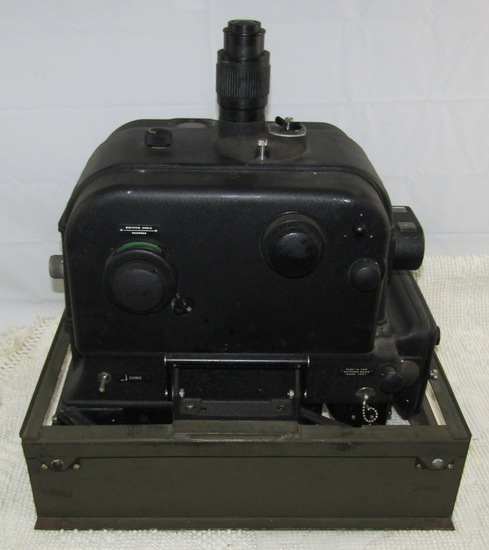 WW2 U.S. Army Air Forces Sperry S-1 Bombsight With Original Metal Mounting Base