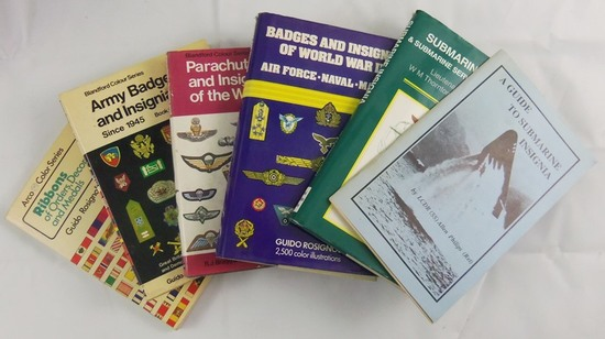 6 pcs. US Military Insignia/Ribbons/Badges Reference Books