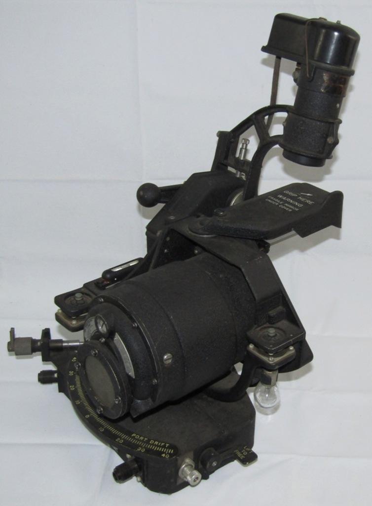 "Rare WW2 ""Lend Lease"" Type T-1 Bomb Sighting Head W/Roll Stabilizer"