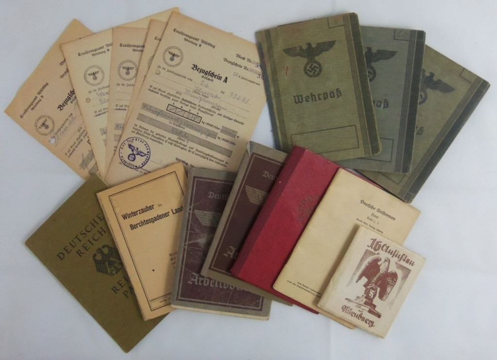 15pcs-Misc WW2 German Wehrpass-Arbeitsbuch-RAD Work Book-Identity Papers Grouping