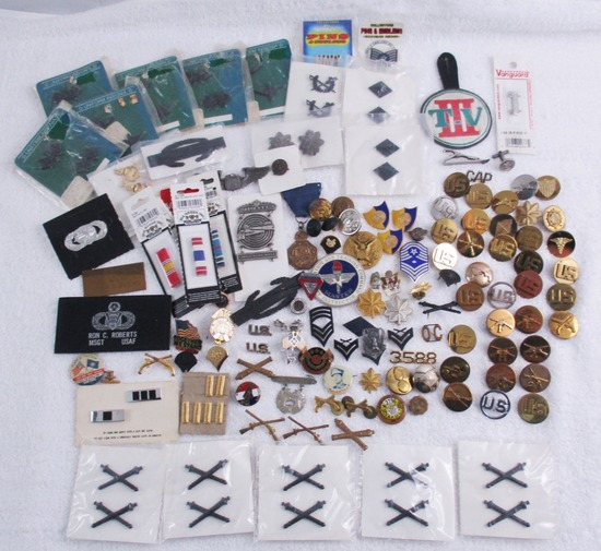 100+ pcs. Misc. Military Insignia/Collar Discs - Some Screw Back