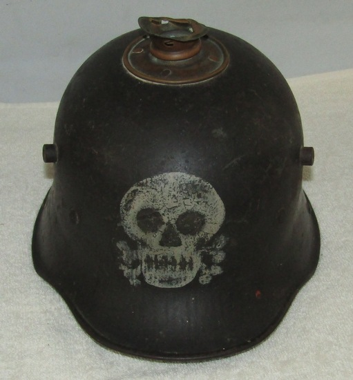 Early Freikorps M16 German Helmet With Applied Spike Base/Hand Painted Skull