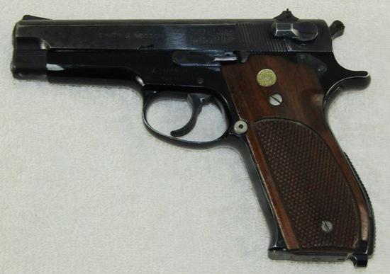 Smith & Wesson Model 39-2 Semi Auto 9mm Pistol