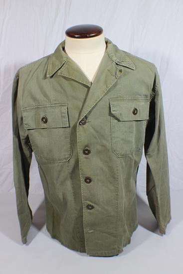US WW2 Late War HBT Herringbone Twill Combat Jacket. Plastic Buttons.