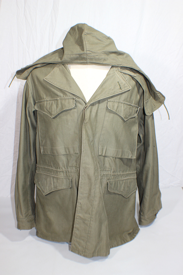 US WW2 M43 Field Combat Jacket W/ Hood. Wartime Production. 42R. Great Large Size!