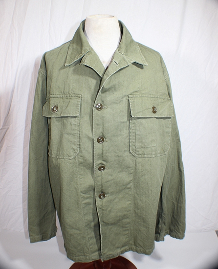 US Late WW2 HBT Herringbone Twill Combat Utility Jacket.