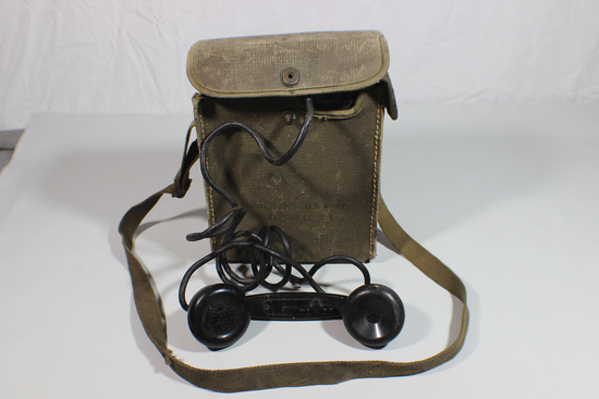 US WW2 EE-8-B Field Telephone Phone. Signal Corps. W/ Case.