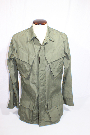 US Vietnam Poplin Rip Stop Jungle Jacket. Size Small Long. 1968.
