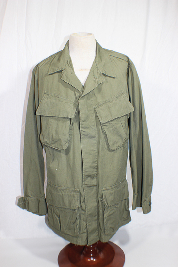 US Vietnam Poplin Rips Stop Jungle Jacket. Size Extra Small Regular.  1971 Dated.