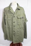 US WW2 HBT Herringbone Twill Combat Utility Jacket. 13 Star Steel Buttons. Under Arm Damage.