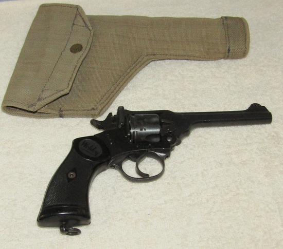 WW2 Period British Mark IV Webley Pistol (War Finish) With Holster