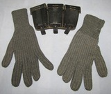WW2 Period German Soldier K98 Ammo Pouch/Pair Of Cold Weather Wool Gloves