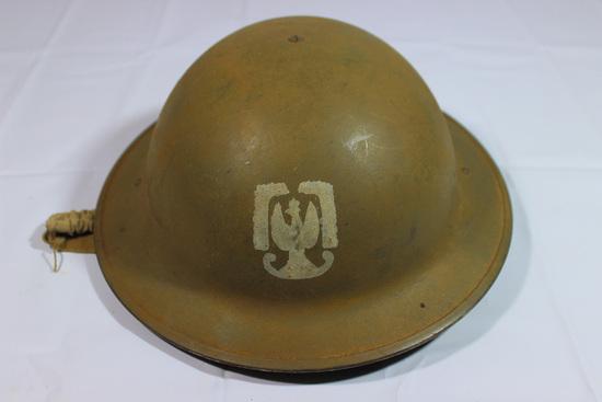 WW2 Free Polish British Helmet W/ Painted Insignia