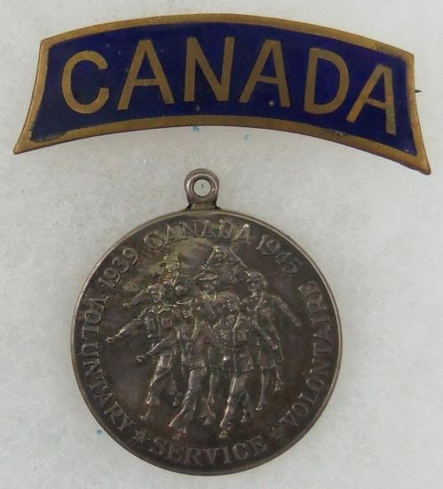 Canadian Volunteer Service Medal 1939-1947/WW2 Enameled Canada Shoulder Title