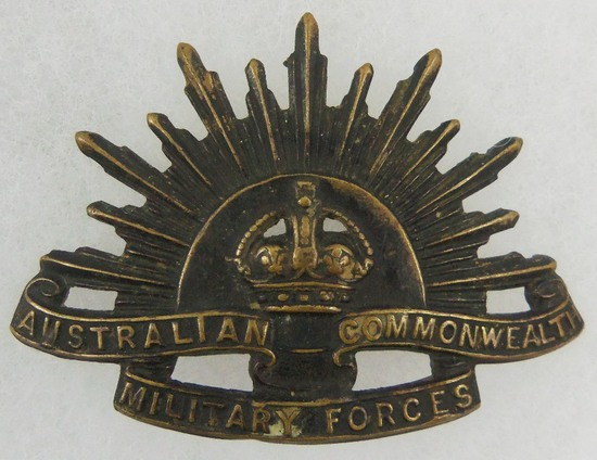 "WW1/WW2 Australian Commonwealth Military Forces ""Rising Sun""  Hat Badge"