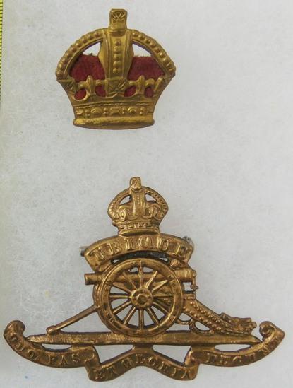 2 pcs. British Royal Regiment of Artillery Cap Badge/Shoulder Board Major Rank Insignia