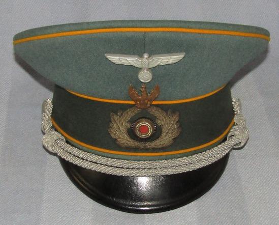 "German Cavalry Officer's Visor Cap With  ""Schwedter Adler"" Traditions Badge"