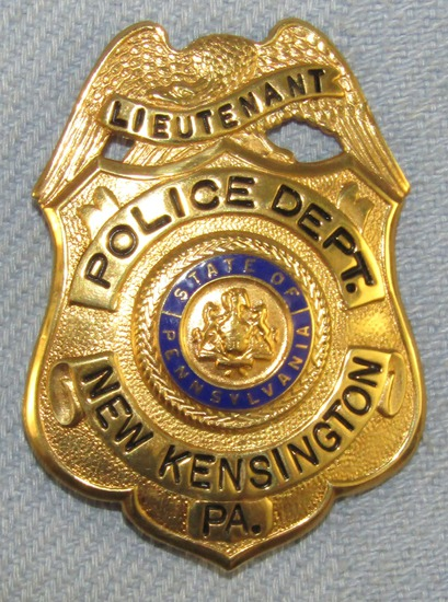 Scarce & Obsolete Vintage New Kensington, PA Police Dept. Lieutenant's Badge