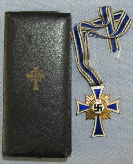 Cased Mother's Cross In Gold-Alfred Stubbe, Berlin