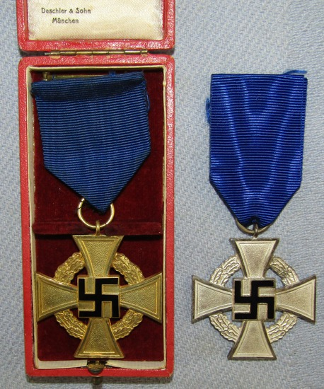 2pcs-25 & 40 Year Civil Service Medals