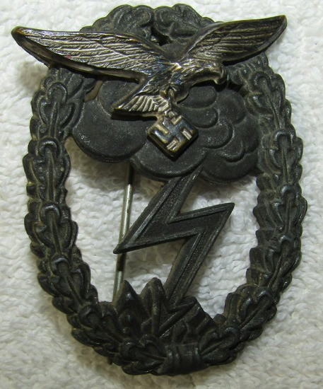 Luftwaffe Ground Assault Badge-Scarce Maker Of J.E.Hammer & Sohne