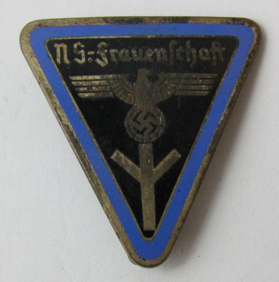WW2 German Female N.S.-Frauenschaft Leaders Badge