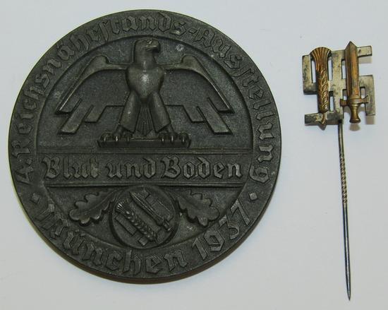 "2pcs-Scarce ""BLUT & BODEN"" Table Medallion Award/Stick Pin"