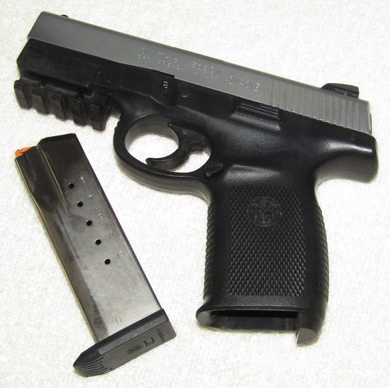 Smith & Wesson .40 Cal. Semi Auto Single Action Model SW40VE Pistol