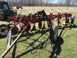 Nice IH Model 770 6 X 16 Inch Pull Type Automatic Reset Plow, Coulters