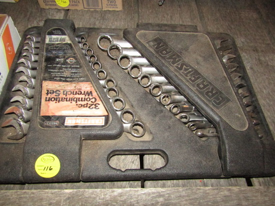 Craftsman 32 Piece Standard and Metric Wrench Set in Hard Shell Hol
