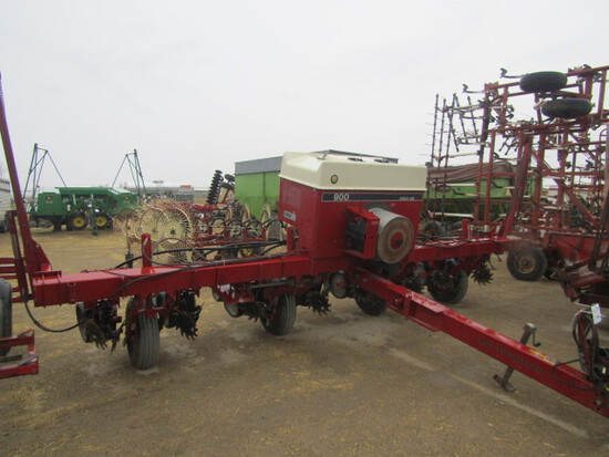 735. 234-308, IH 900 * R X 30 Corn Planter, Trash Whips, T/ST3
