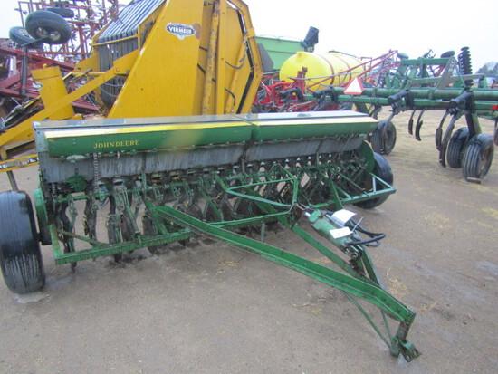 740. 364-850. John Deere 12 FT. Double Disc Grain Drill, Hyd. Lift, Grass S