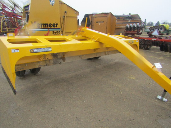 746. 291-508. 14 FT. – 42 Pull Type Box Blade on Hyd. Cart, T/ST3