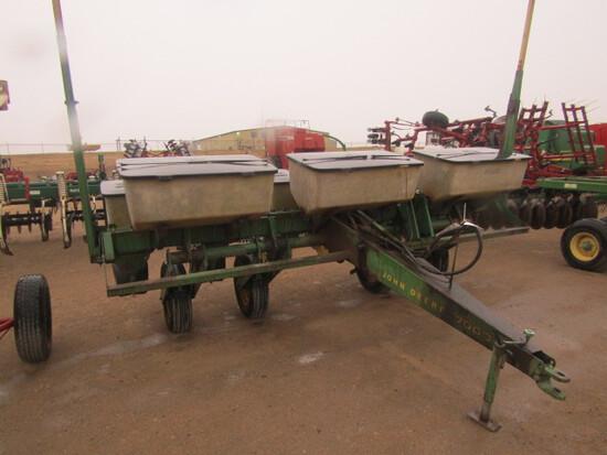 750. 253-353. John Deere 7000 6 Row 30 Inch Corn Planter, Dry Fertilizer, T