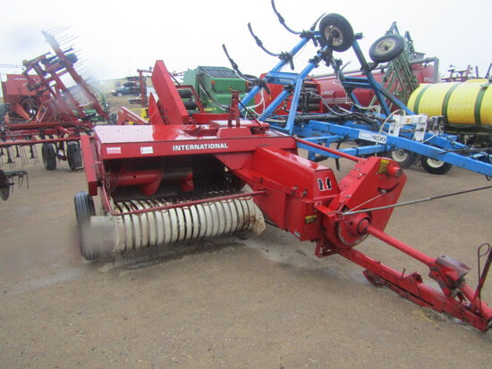 752. 416-1067, IHC 425 PTO Baler with Ejector, T/ST3