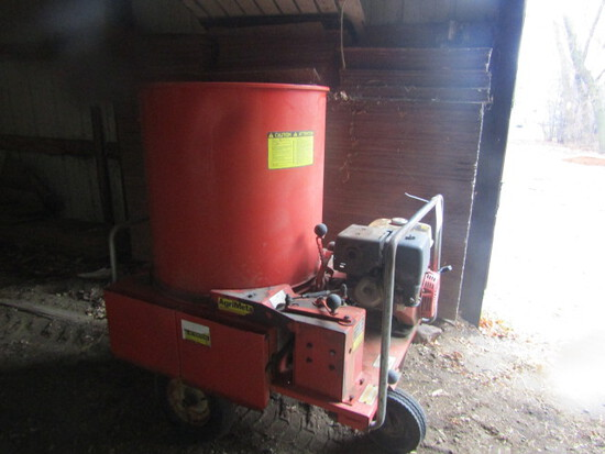 190. Agri-Metal Bedding Chopper with Gas engine, Runs Good