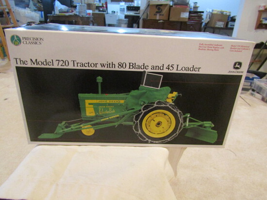 710. Ertl Precision Classic John Deere 720 With # 80 Blade & # 45 Loader, i