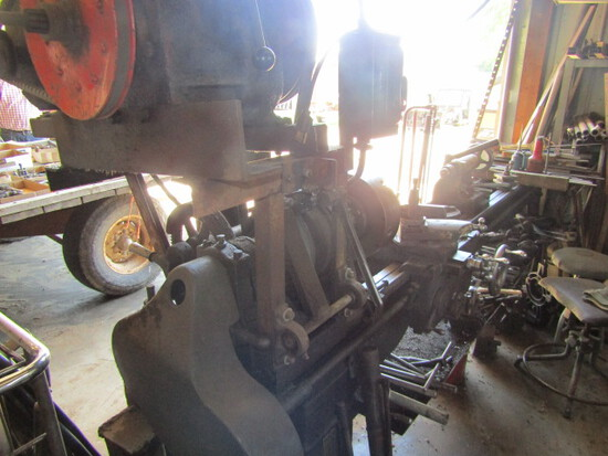 161. South Bend 220V Single Phase Metal Lathe, Extra Collets, 6 FT. +/- Bed