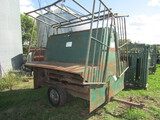 506. Verns Approx. 2 Ton Portable Creep Feeder with Tip Down Sides
