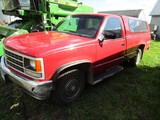 547. 1990 Chevrolet Cheyenne HD 2500 4 X 4 Pickup, Gas v*, AT, Regular Cab