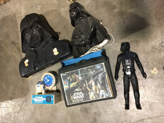Box of misc vintage Star Wars toys