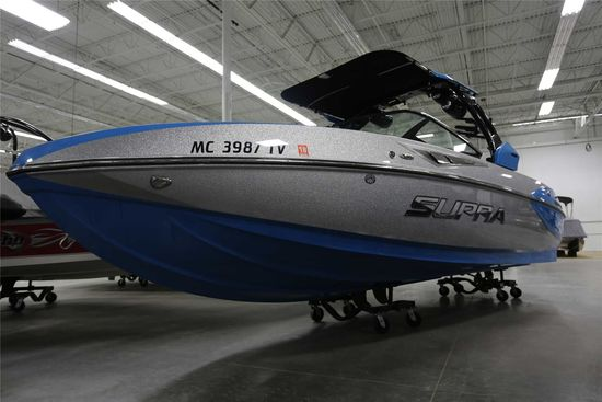 2016 Supra Model: SC 400. VIN:ISRSC007H516. Hours: 314. This boat is located in Waterford Township,
